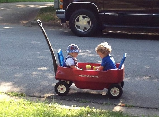 boys_in_wagon